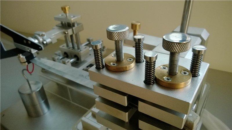 Knives bending strength testing machine