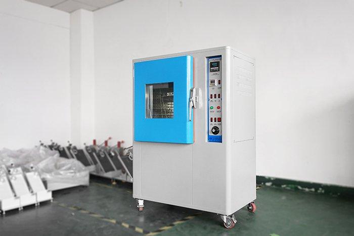 Anti-yellowing aging testing chamber